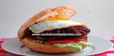 Receta de hamburguesa de carne✅son un clásico demandado, sobre todo si hay pequeños en la casa, a continuación te enseñamos para que la puedas preparar en casa.